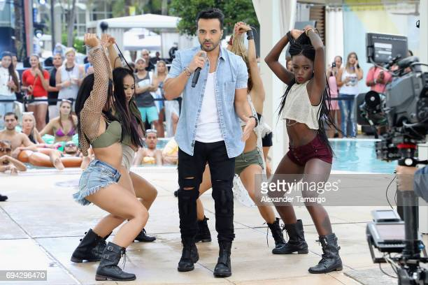 Luis Fonsi performs at the iHeartSummer '17 Weekend By ATT Day 1 at Fontainebleau Miami Beach on June 9 2017 in Miami Beach Florida