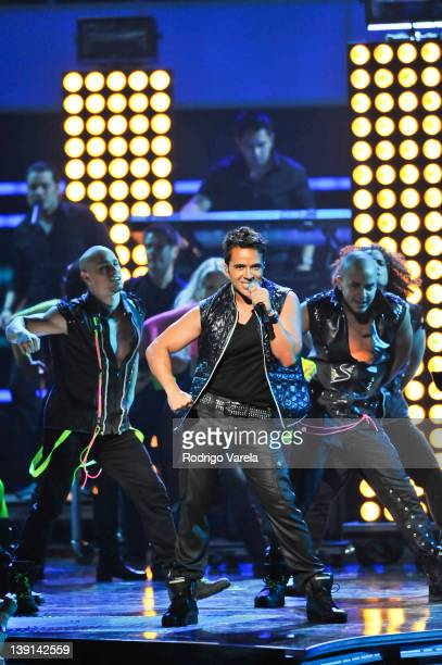 Luis Fonsi performs at the Premio Lo Nuestro a La Musica Latina at American Airlines Arena on February 16 2012 in Miami Florida