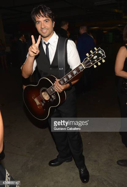 Luis Fonsi poses backstage at Premio Lo Nuestro a la Musica Latina 2014 at American Airlines Arena on February 20 2014 in Miami Florida