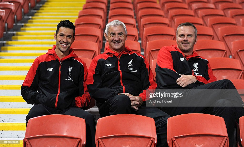 Luis Garcia, <a gi-track='captionPersonalityLinkClicked' href=/galleries/search?phrase=Ian+Rush&family=editorial&specificpeople=2107557 ng-click='$event.stopPropagation()'>Ian Rush</a> and Didi Hamann of Liverpool watch the training session from the stands at Suncorp Stadium on July 16, 2015 in Brisbane, Australia.