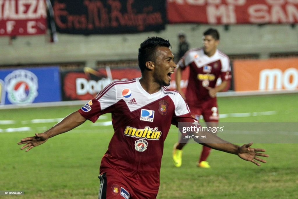 Luis Gonzalez of Caracas FC celebrates a goal against Deportivo La Guaira during a match between Caracas FC and Deportivo La Guaira as part of the Apertura 2013 at Brígido Iriarte Stadium on September 25, 2013 in Caracas, Venezuela.