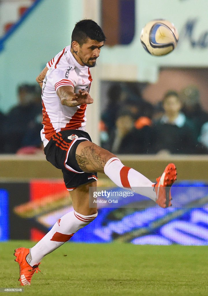 Luis Gonzalez or River Plate kicks the ball during a match between Tigre and River Plate as part of 13th round of Torneo Primera Division 2015 at...