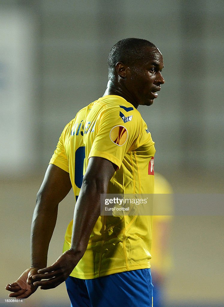 Luis Leal of Estoril Praia in action during the UEFA Europa League group stage match between Estoril Praia and Sevilla FC held on September 19, 2013 at the Antonio Coimbra Da Mota Stadium, in Estoril, Portugal.