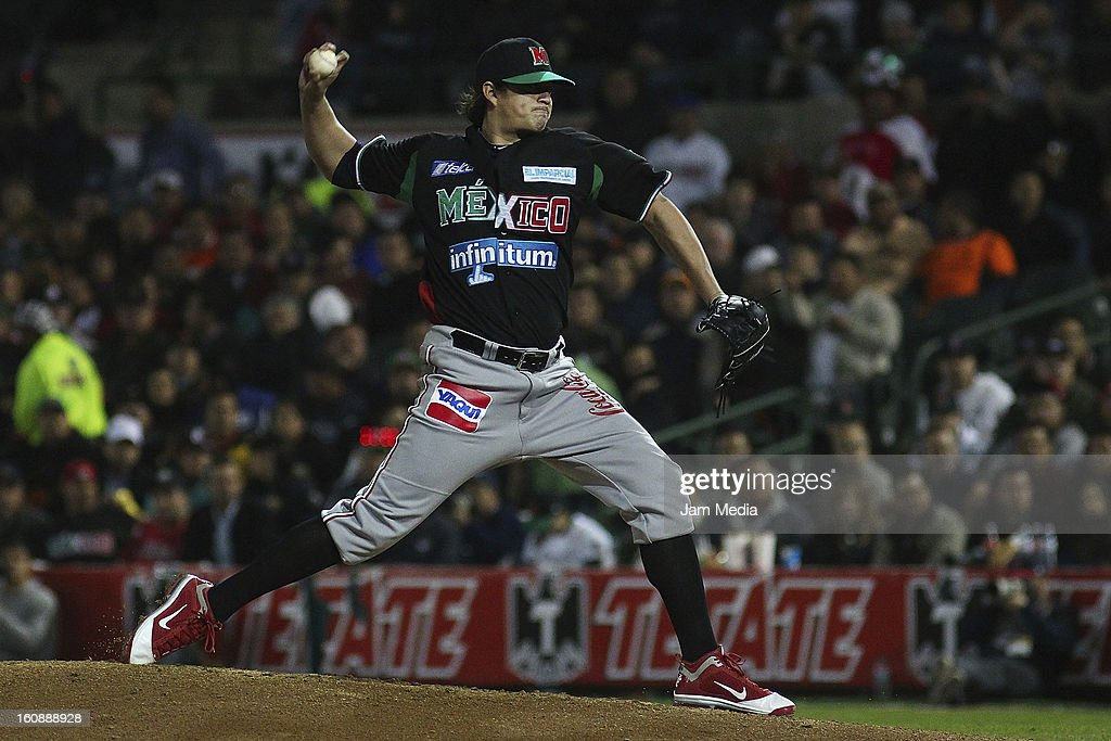 Luis Mendoza pitcher of Mexico throws the ball during a match between Mexico and Puerto Rico for the Caribbean Series 2013 on February 6, 2013 in Hermosillo, Mexico.