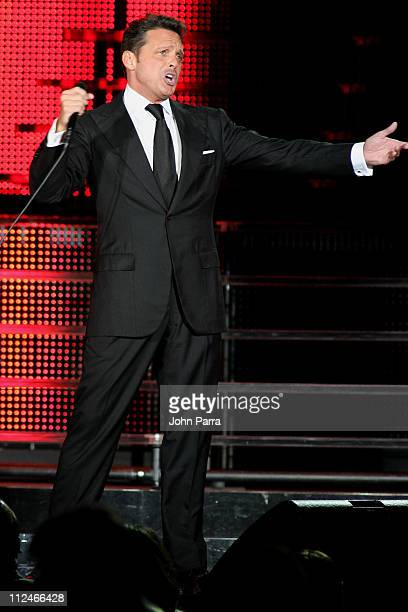 Luis Miguel performs at American Airlines Arena on November 7 2008 in Miami