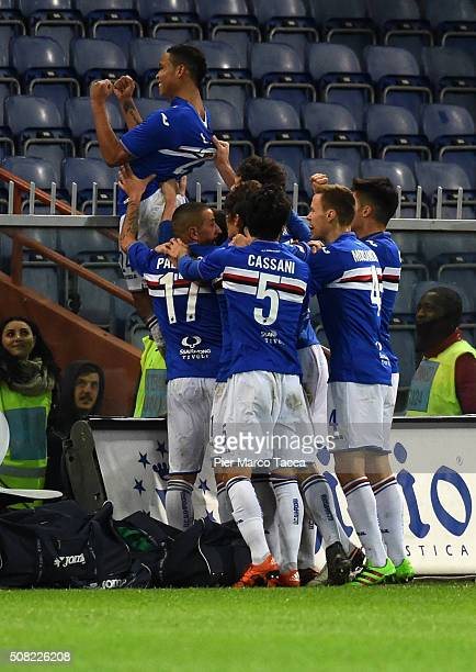 Luis Muriel of UC Sampdoria celebrates with his team players his first goal during the Serie A match between UC Sampdoria and Torino FC at Stadio...