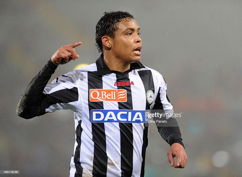 Luis Muriel of Udinese Calcio celebrate after scoring hi team first goal during the Serie A match between Udinese Calcio and AS Roma at Stadio Friuli on March 9, 2013 in Udine, Italy.