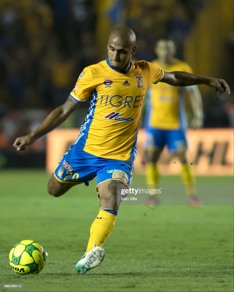 Luis Rodriguez takes a shot during the semi finals first leg match between Tigres UANL and Tijuana as part of the Torneo Clausura 2017 Liga MX Universitario Stadium on May 18, 2017 in Monterrey, Mexico.