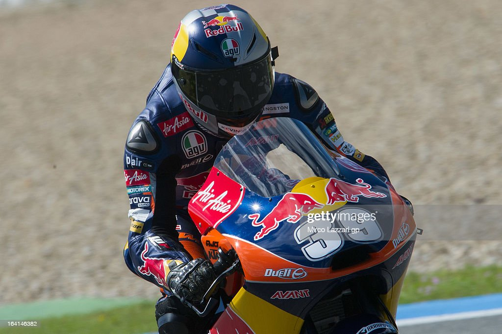 Luis Salom of Spain and Red Bull KTM Ajo heads down a straight during the Moto2 and Moto3 Tests In Jerez - Day 3 at Circuito de Jerez on March 20, 2013 in Jerez de la Frontera, Spain.