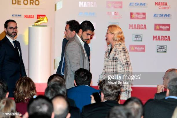 Luis Suarez attends the Golden Boot Gala 2017 at the L'Antiga Fabrica Damm on November 24 2017 in Barcelona Spain