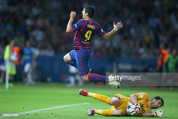 Luis Suarez FC Barcelona gegen Gianluigi Buffon Fussball Championsleague Finale Final Juventus Turin FC Barcelona 13 Saison 2014 / 2015