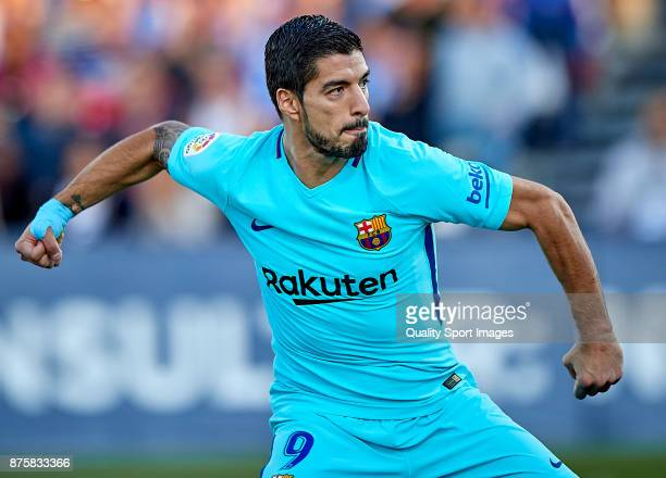 Luis Suarez of Barcelona celebrates after scoring the second goal during the La Liga match between Leganes and Barcelona at Estadio Municipal de...