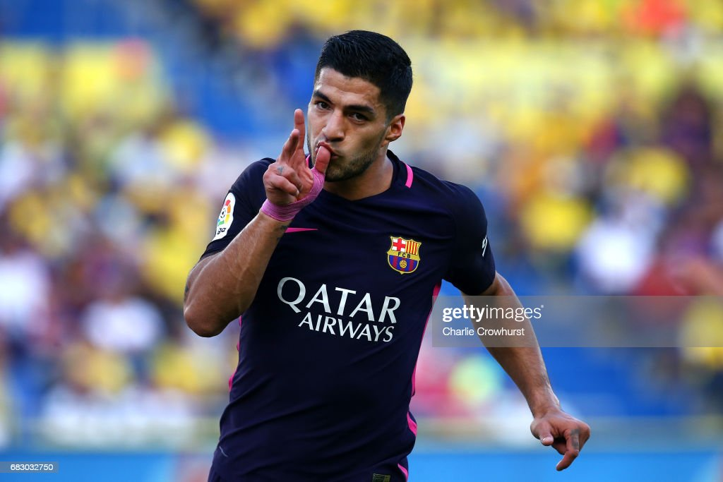 Luis Suarez of Barcelona celebrates after scoring the teams second goal of the game during the La Liga match between UD Las Palmas and Barcelona at Estadio de Gran Canaria on May 14, 2017 in Las Palmas, Spain.