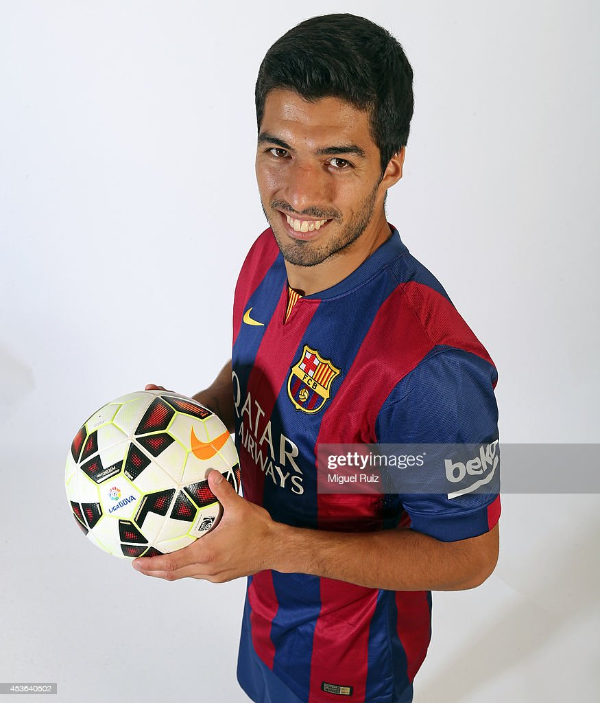 Luis Suarez Takes Part in FC Barcelona Training Session s and