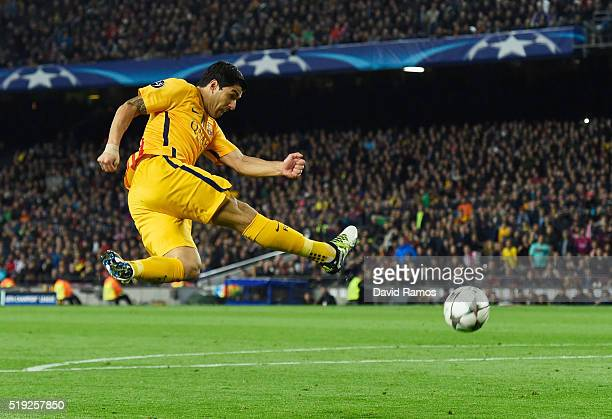 Luis Suarez of Barcelona shoots during the UEFA Champions League quarter final first leg match between FC Barcelona and Club Atletico de Madrid at...