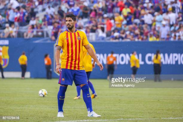 Luis Suarez of Barcelona warms up ahead of the International Champions Cup 2017 friendly match between Juventus and Barcelona at Metlife Stadium in...