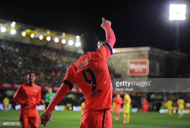 Luis Suarez of FC Barcelona celebrates after scoring his team's 2nd goal during the Copa del Rey SemiFinal Second Leg match between Villarreal CF and...