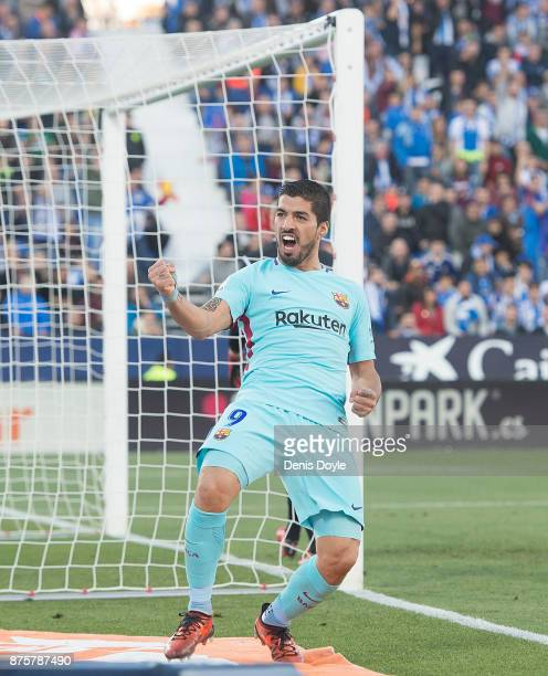 Luis Suarez of FC Barcelona celebrates after scoring his team's 2nd goal during the La Liga match between Leganes and Barcelona at Estadio Municipal...