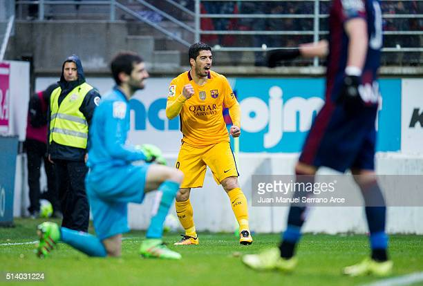 Luis Suarez of FC Barcelona celebrates after scoring his team's fourth goal during the La Liga match between SD Eibar and FC Barcelona at Ipurua...