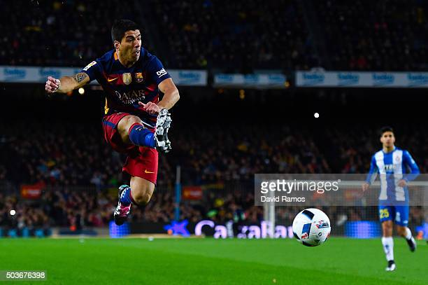 Luis Suarez of FC Barcelona controls the ball during the Copa del Rey Round of 16 first leg match between FC Barcelona and RCD Espanyol at Camp Nou...