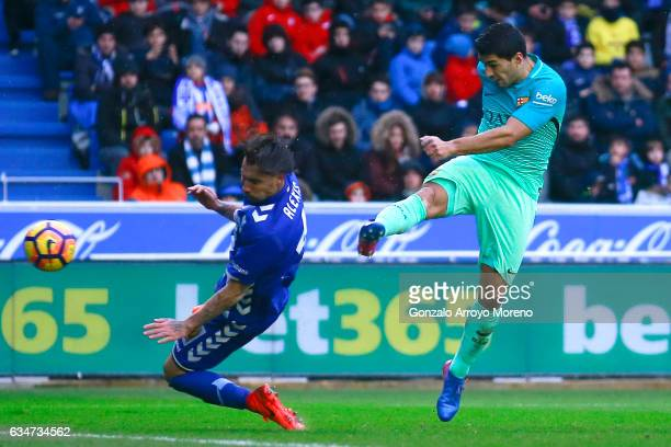 Luis Suarez of FC Barcelona scores their sixth goal during the La Liga match between Deportivo Alaves and FC Barcelona at Estadio de Mendizorroza on...