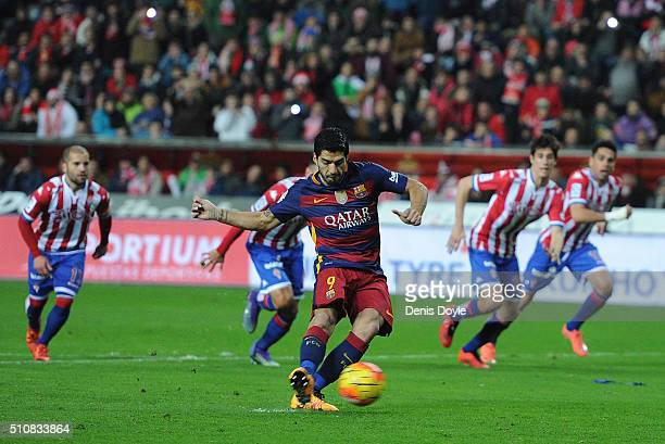 Luis Suarez of FC Barcelona shoots a penalty kick during the La Liga match between Sporting Gijon and FC Barcelona at Estadio El Molinon on February...