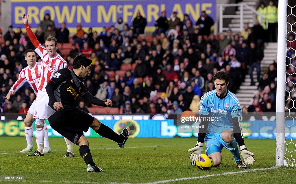 Luis Suarez of Liverpool comes close during the Barclays Premier League match between Stoke City and Liverpool at Britannia Stadium on December 26, 2012 in Stoke on Trent, England.