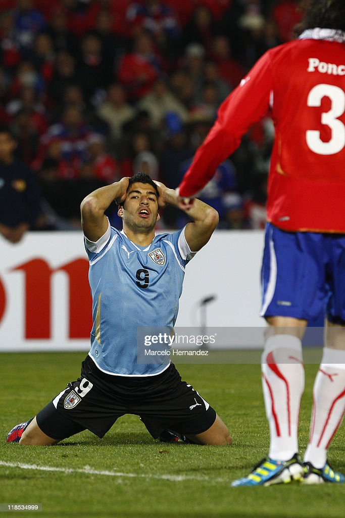 Luis Suarez of Uruguay reacts after losing a chance of goal against Chile during a match as part of group C of 2011 Copa America at Malvinas Argentinas Stadium on July 8, 2011 in Mendoza, Argentina.