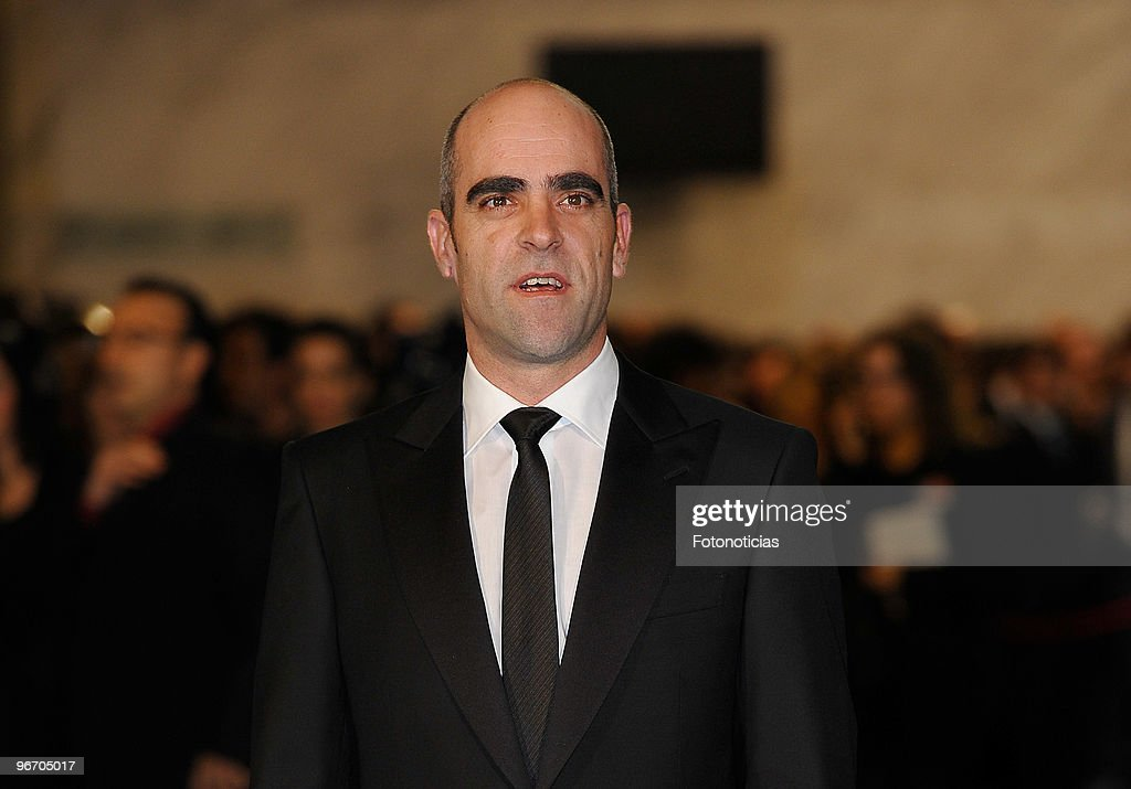 Luis Tosar arrives to the 2010 edition of the 'Goya Cinema Awards' ceremony at the Palacio de Congresos on February 14, 2010 in Madrid, Spain.