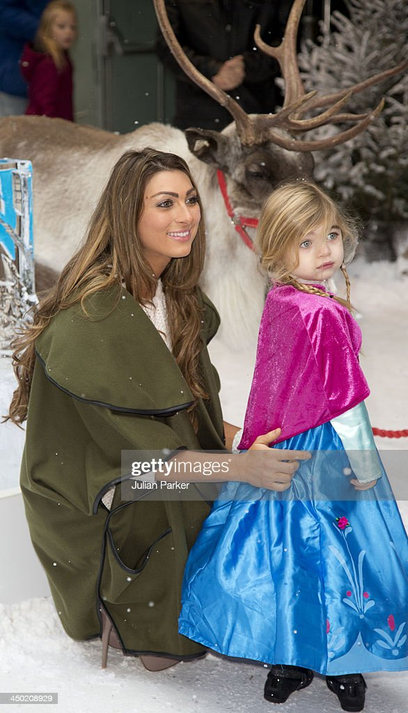 Luisa Zissman and daughter Dixie attend the celebrity screening of Disney's 'Frozen' on November 17 2013 in London United Kingdom