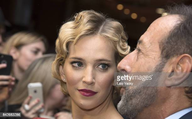 Luisana Lopilato and Guillermo Francella attend the ''Los Que Aman Odian' premier at the Dot Shopping Cinema on September 4 2017 in Buenos Aires...
