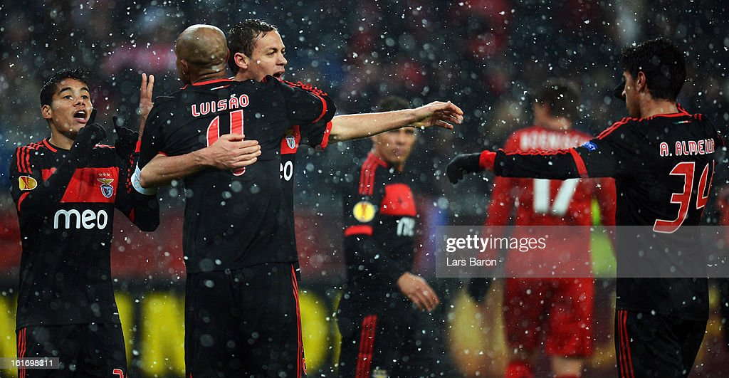<a gi-track='captionPersonalityLinkClicked' href=/galleries/search?phrase=Luisao&family=editorial&specificpeople=490899 ng-click='$event.stopPropagation()'>Luisao</a> of Benfica celebrates with Nemanja Matic and other team mates after winning the UEFA Europa League Round of 32 first leg between Bayer 04 Leverkusen and SL Benfica at BayArena on February 14, 2013 in Leverkusen, Germany.