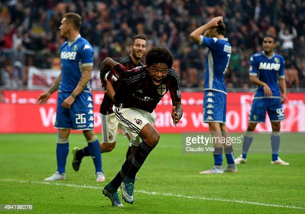 Luiz Adriano of AC Milan celebrates after scoring the second goal during the Serie A match between AC Milan and US Sassuolo Calcio at Stadio Giuseppe...