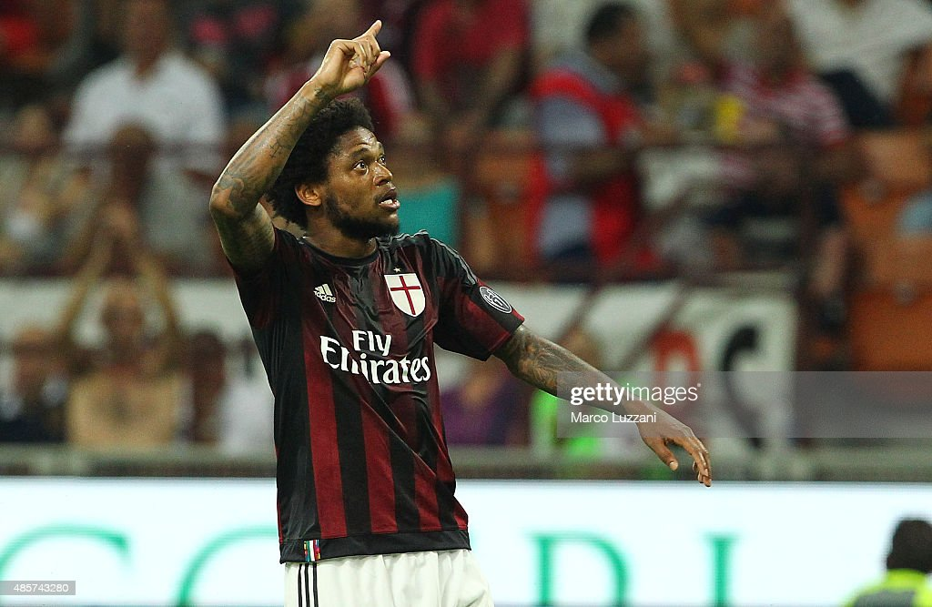 <a gi-track='captionPersonalityLinkClicked' href=/galleries/search?phrase=Luiz+Adriano&family=editorial&specificpeople=4075604 ng-click='$event.stopPropagation()'>Luiz Adriano</a> of AC Milan celebrates his goal during the Serie A match between AC Milan and Empoli FC at Stadio Giuseppe Meazza on August 29, 2015 in Milan, Italy.