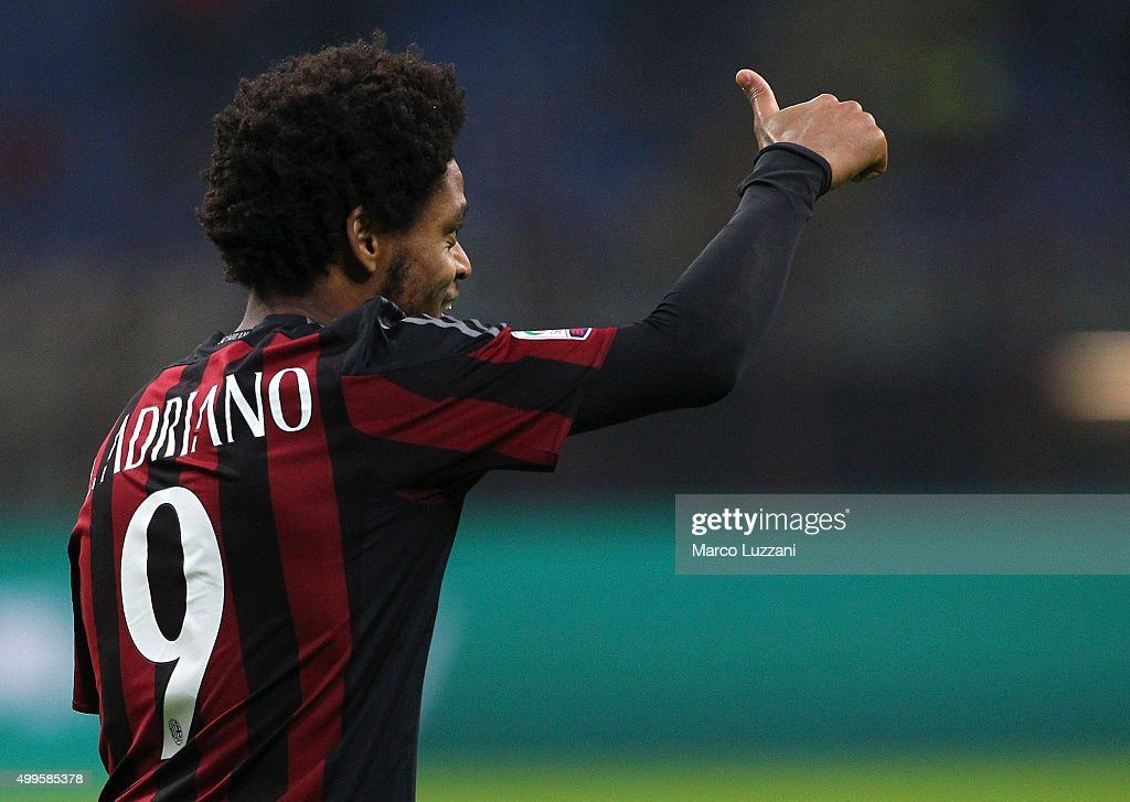 <a gi-track='captionPersonalityLinkClicked' href=/galleries/search?phrase=Luiz+Adriano&family=editorial&specificpeople=4075604 ng-click='$event.stopPropagation()'>Luiz Adriano</a> of AC Milan celebrates his goal during the Serie A match between AC Milan and UC Sampdoria at Stadio Giuseppe Meazza on November 28, 2015 in Milan, Italy.