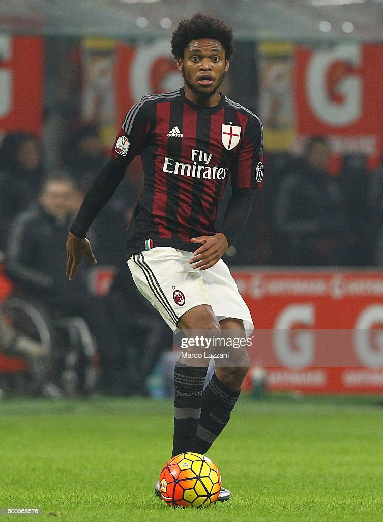 <a gi-track='captionPersonalityLinkClicked' href=/galleries/search?phrase=Luiz+Adriano&family=editorial&specificpeople=4075604 ng-click='$event.stopPropagation()'>Luiz Adriano</a> of AC Milan in action during the TIM Cup match between AC Milan and FC Crotone at Stadio Giuseppe Meazza on December 1, 2015 in Milan, Italy.