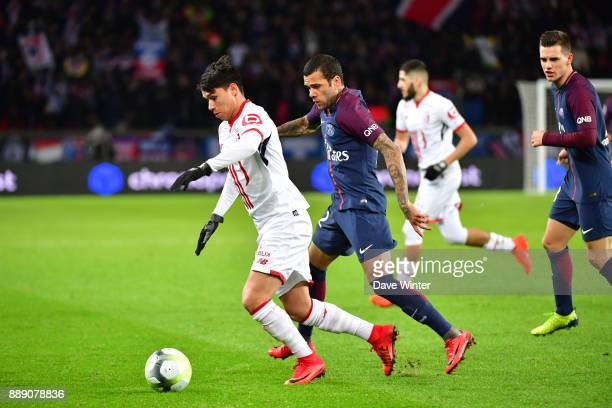 Luiz Araujo of Lille and Davi Alves of PSG during the Ligue 1 match between Paris Saint Germain and Lille OSC at Parc des Princes on December 9 2017...