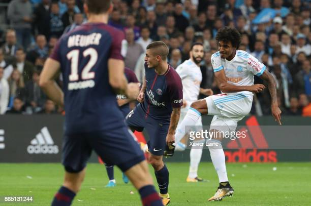 Luiz Gustavo of Olympique Marseille scores a goal during the Ligue 1cmatch between Olympique Marseille and Paris Saint Germain at Orange Velodrome on...