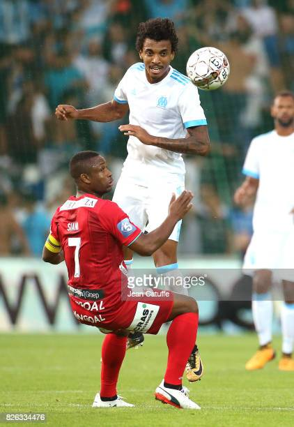 Luiz Gustavo of OM and Sebastien Siani of KV Oostende during the UEFA Europa League third qualifying round second leg match between KV Oostende and...