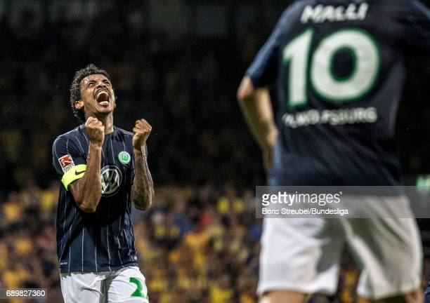 Luiz Gustavo of VfL Wolfsburg celebrates during the Bundesliga Playoff Leg 2 match between Eintracht Braunschweig and VfL Wolfsburg at Eintracht...