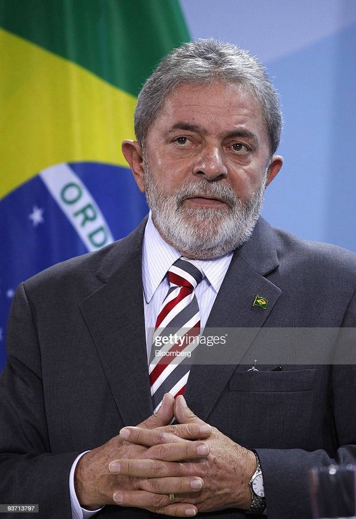 <a gi-track='captionPersonalityLinkClicked' href=/galleries/search?phrase=Luiz+Inacio+Lula+da+Silva&family=editorial&specificpeople=211609 ng-click='$event.stopPropagation()'>Luiz Inacio Lula da Silva</a>, Brazil's president, pauses at a news conference at the German federal chancellory in Berlin, Germany, on Thursday, Dec. 3, 2009. Germany and Brazil differed on how to deal with Iran's disputed nuclear program, with Chancellor Angela Merkel renewing a threat of sanctions and Lula urging more patience. Photographer: Michele Tantussi/Bloomberg via Getty Images