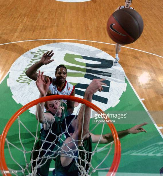 Luka Bogdanovic #10 of DKV Joventut competes in action during the Euroleague Basketball Game 5 match between DKV Joventut and Tau Ceramica at the...