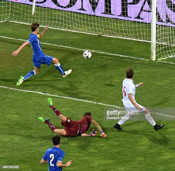 Luka Milunovic of Serbia scores the opening goal during the international friendly match between Italy U21 and Serbia U21 at Stadio Ciro Vigorito on...