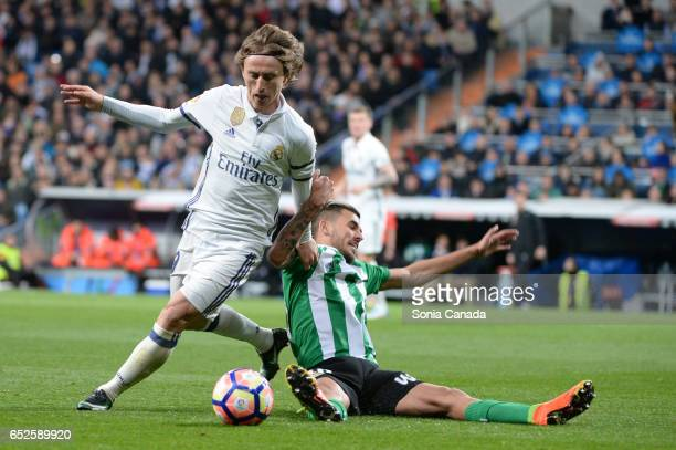 Luka Modric #19 of Real Madrid during the La Liga match between Real Madrid CF v Real Betis Balompie at Santiago Bernabeu on March 12 2017 in Madrid...