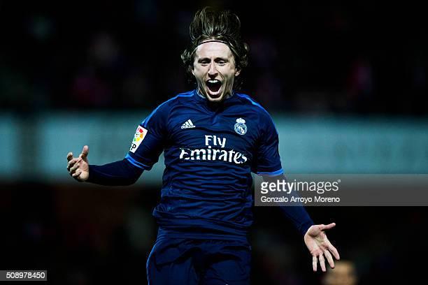 Luka Modric of Real Madrid CF celebrates scoring their second goal during the La Liga match between Granada CF and Real Madrid CF at Estadio Nuevo...