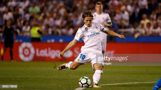 Luka Modric of Real Madrid controls the ball during the La Liga match between Deportivo La Coruna and Real Madrid at Riazor Stadium on August 20 2017...