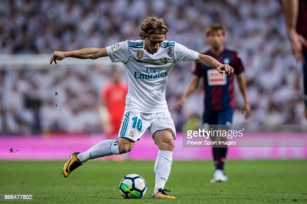 Luka Modric of Real Madrid in action during the La Liga 201718 match between Real Madrid and SD Eibar at Estadio Santiago Bernabeu on 22 October 2017...