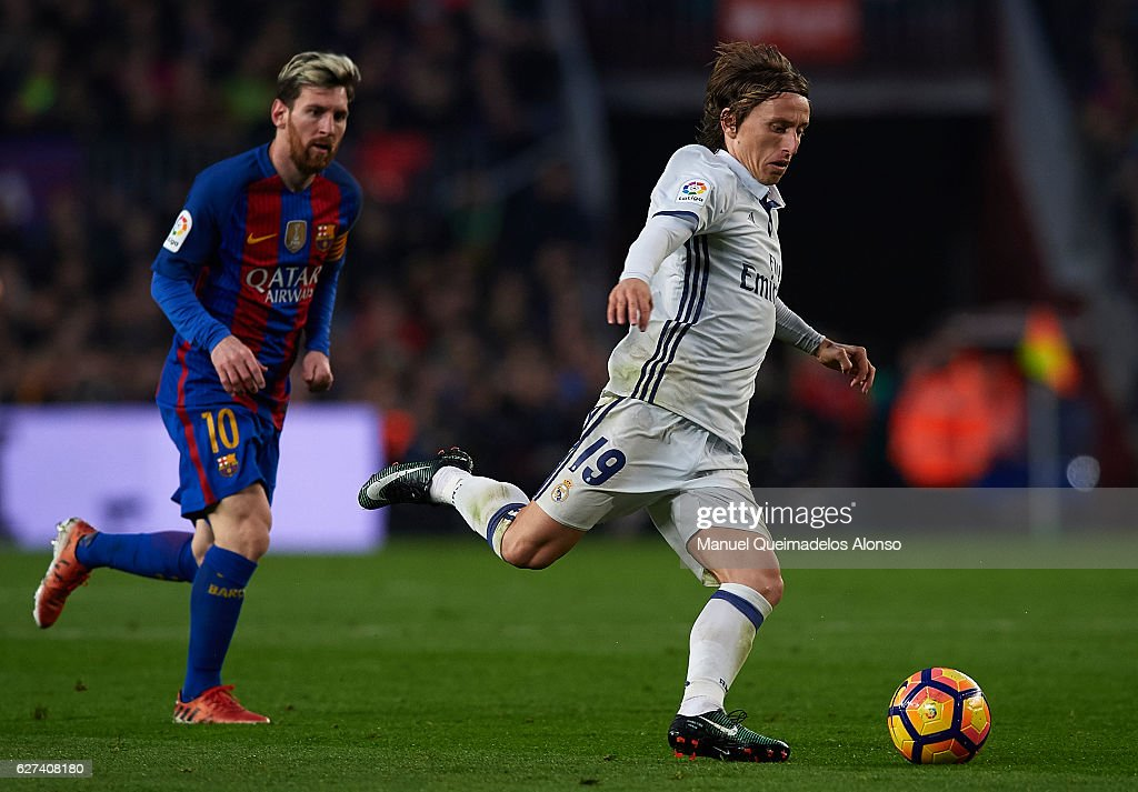 Luka Modric of Real Madrid in action during the La Liga match between FC Barcelona and Real Madrid CF at Camp Nou stadium on December 03 2016 in...