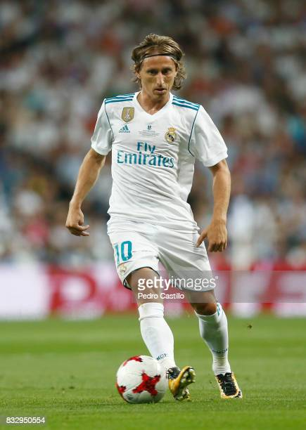 Luka Modric of Real Madrid in action during the Supercopa de Espana Final second leg match between Real Madrid and FC Barcelona at Estadio Santiago...