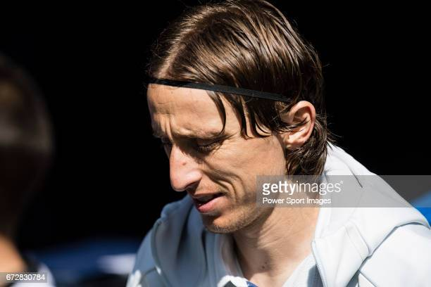 Luka Modric of Real Madrid prior to the La Liga match between Real Madrid and Atletico de Madrid at the Santiago Bernabeu Stadium on 08 April 2017 in...